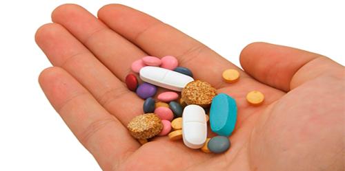 pills_hand