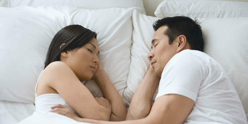 couplesleeping